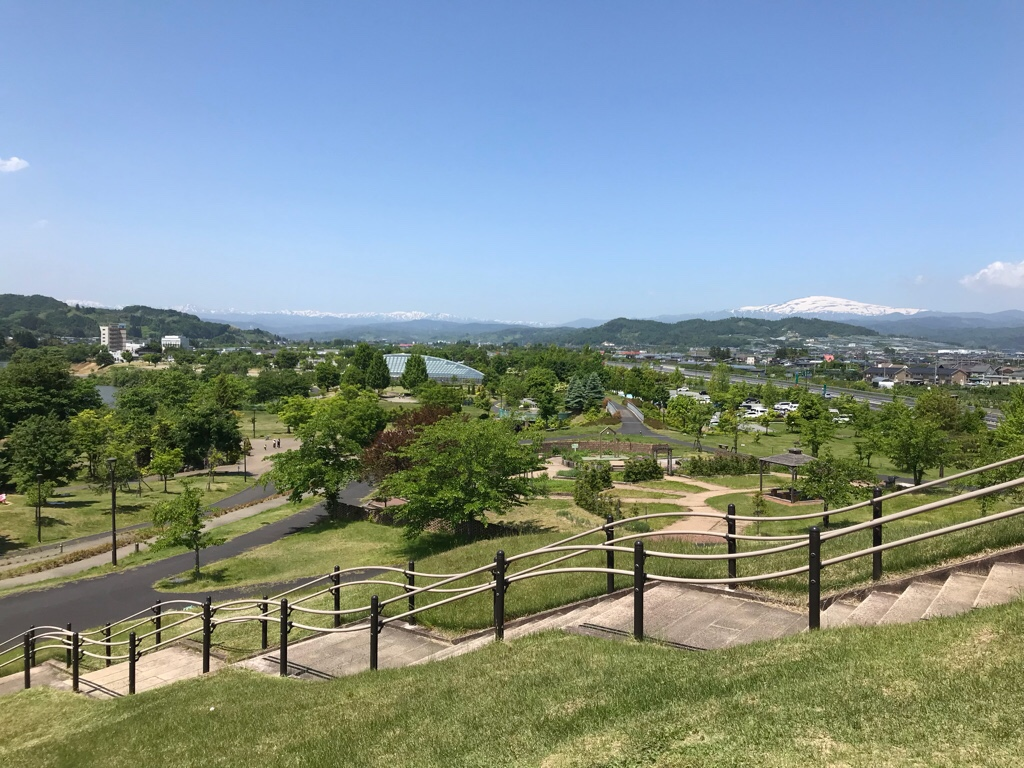 公園から月山の眺め